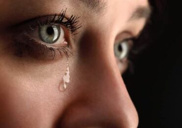 Vì sao những người hay khóc lại rất mạnh mẽ?