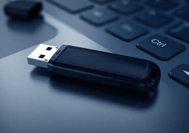 Tạo USB cài Windows 8.1/10 với Rufus mà không cần tải trước ISO