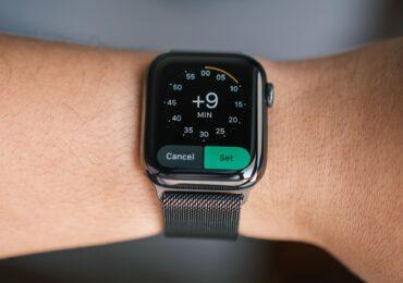 Cách chỉnh Apple Watch hiển thị thời gian nhanh hơn, dành cho người hay chậm trễ